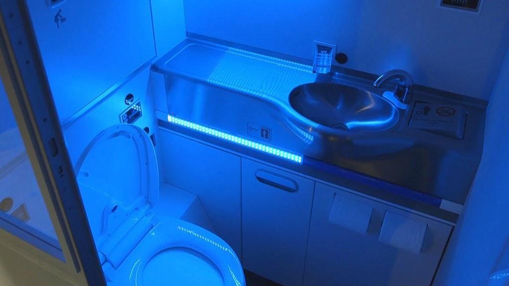 Lampu Sinar UV Canggih Diklaim Bisa Bunuh Virus Corona