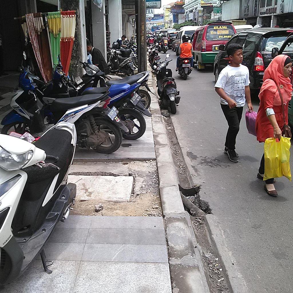 Pemkot Bandung akan Perbaiki Tiga Trotoar Senilai Rp 9 M
