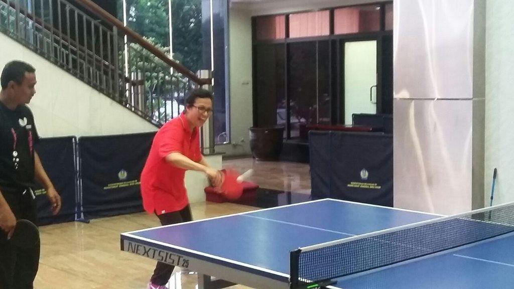 Usai Main Voli, Sri Mulyani Main Tenis Meja Bareng Pejabat Kemenkeu