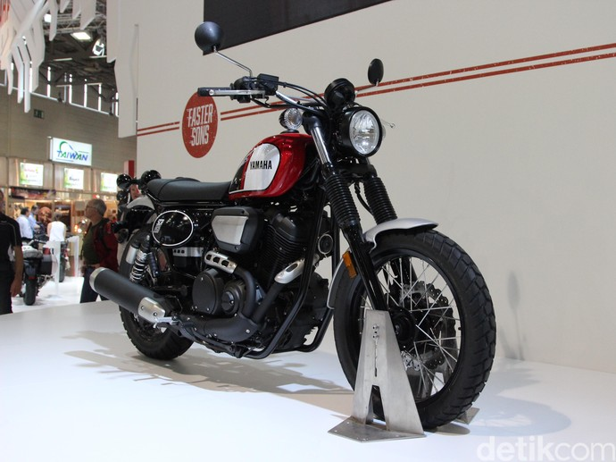 Motor Scrambler Jalanan Yamaha SRC950