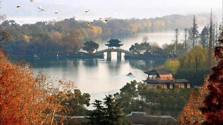 Hasil gambar untuk Danau Xihu