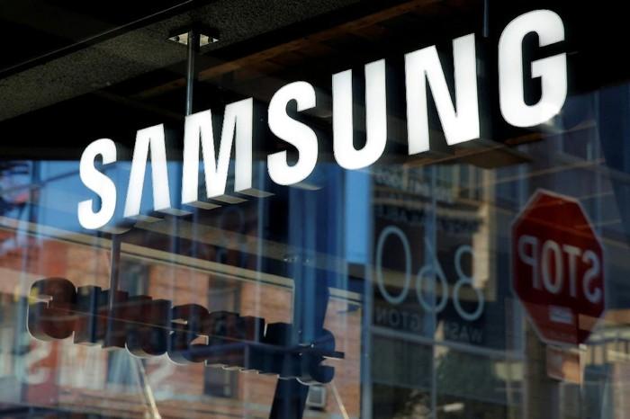 Samsung berkolaborasi dengan Tesla untuk mengembangkan mobil otonom (Foto: Reuters)