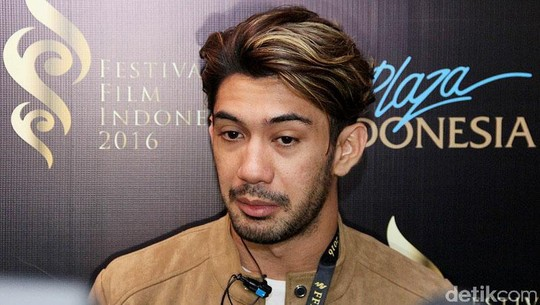 Reza Rahadian Jagoan Festival Film Indonesia