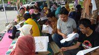 wisata belajar membatik di jogja Menengok Kampung Batik Imogiri Bantul Wisman Asyik Pegang