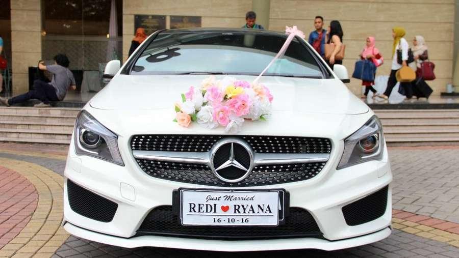 Momen Bahagia di Pernikahan Ryana Dea dan Puadin Redi