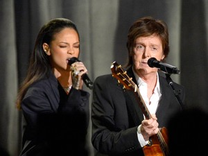 Paul McCartney Sebut Rihanna The Queen of Barbados