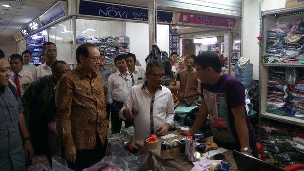 Sosialisasikan Tax Amnesty, Dirjen Pajak Blusukan ke Pasar Tanah Abang