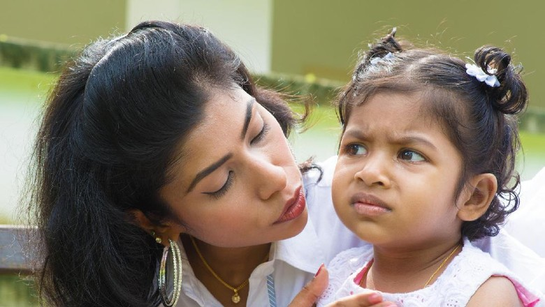 Anak Ingin Nonton Film yang Bukan untuk Semua Umur, Gimana Ya?/ Foto: thinkstock