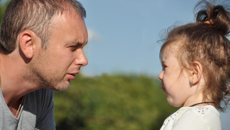 Ilustrasi anak dipaksa minta maaf/ Foto: thinkstock