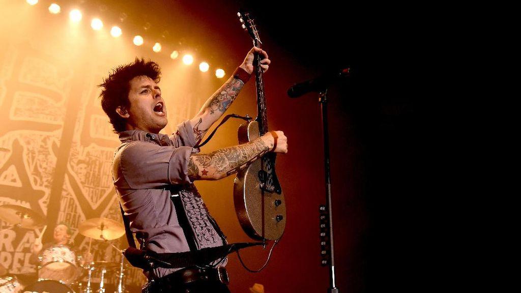 Billie Joe Armstrong Larang Pendukung Donald Trump Dengarkan Green Day