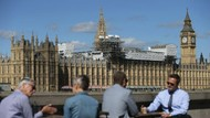 Naik Kereta Usai Positif Corona, Anggota Parlemen Inggris Ditangkap