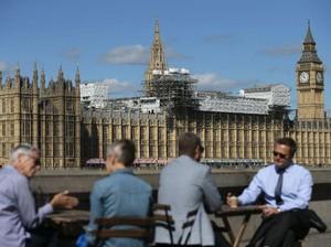 Gedung Parlemen Inggris Dikirimi Paket Mencurigakan