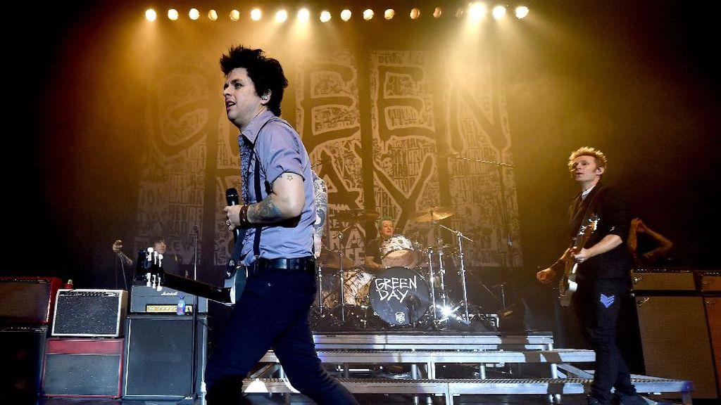 Green Day Ingin Alat Musik yang Dijual Bisa Bermanfaat untuk Musisi Muda