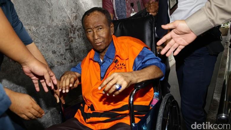 Koruptor e-KTP, Pakai Kursi Roda hingga Divonis 15 Tahun Penjara