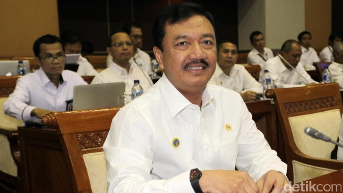 Komisi I DPR RI melakukan rapat kerja dengan Kepala BIN Budi Gunawan di Komplek Parlemen, Senayan, Jakarta, Rabu (19/10/2016).