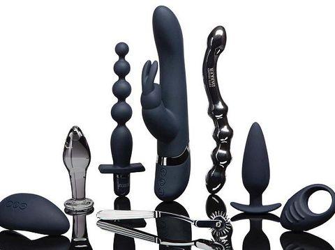 EL James Rilis Sex Toys Terinspirasi dari Fifty Shades Darker
