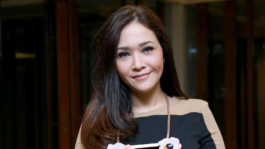 Maia Estianty, Tetap Cantik di Usia 40