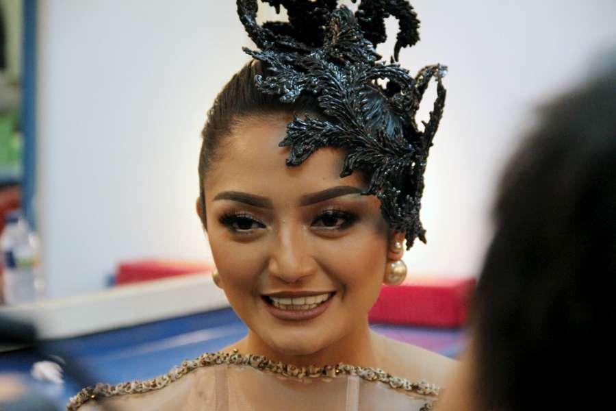 Yuk, Intip Persiapan Siti Badriah Saat Dandan hingga Tampil!