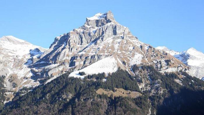 Gunung es di Swiss