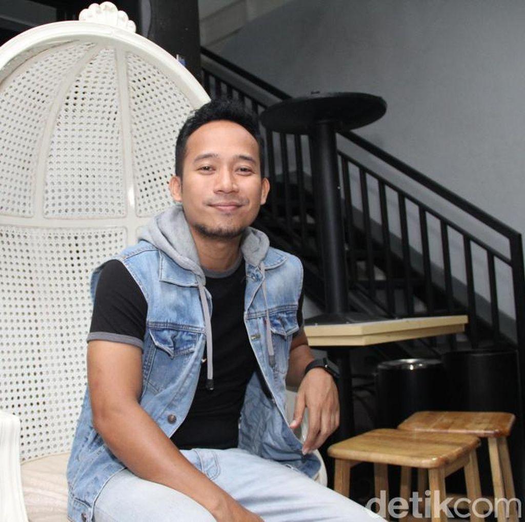 Denny Cagur dan Revina VT Tak Sabar Saksikan Debat Capres Jilid 2