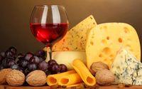 Wouw! Gelas Wine Ini Dipahat dari Keju Seharga Rp 67 Juta!