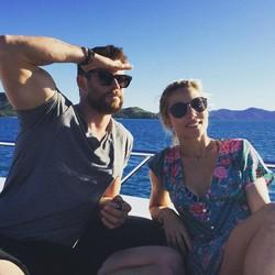 Hadiah Ultah Antimainstream Chris Hemsworth untuk sang Istri