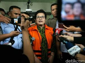 Eks Menkes Siti Fadilah Ditahan KPK