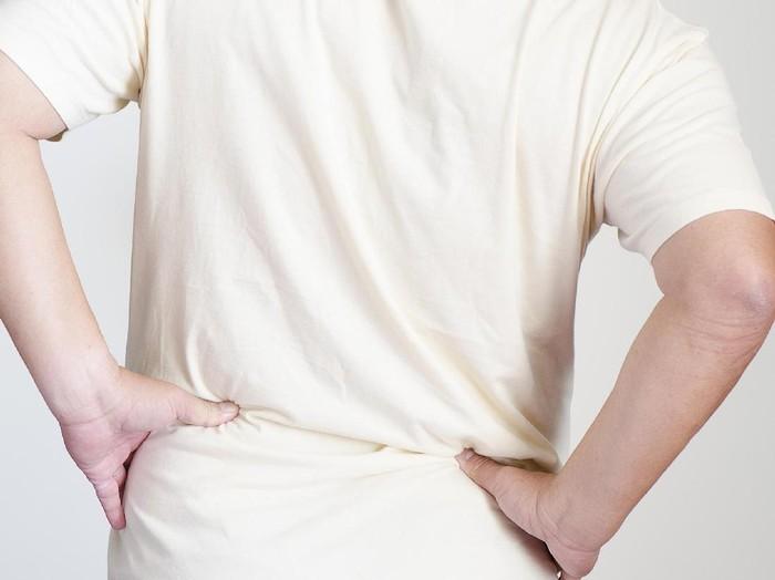 Sebuah penelitian yang diterbitkan di European Spine Journal menunjukkan bahwa terlalu lama bermain games bisa sebabkan sakit punggung. (Foto: Thinkstock)