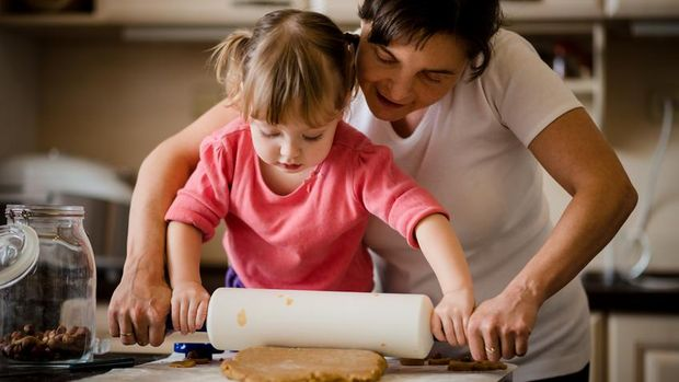 Ilustrasi anak memasak