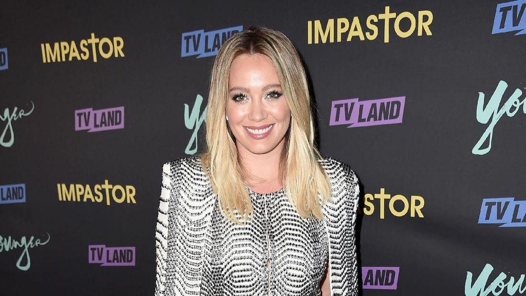Makan Plasenta Sendiri Seperti Hilary Duff, Aman Nggak Sih?