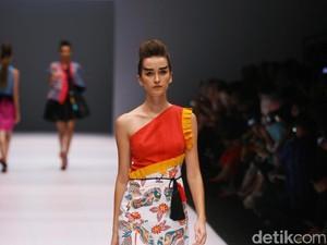 Wajik dan Kuda Lumping Kediri Jadi Inspirasi Busana di Jakarta Fashion Week