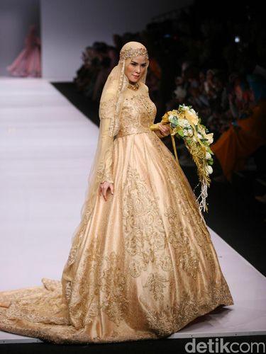 Cantiknya 6 Selebriti Indonesia Pakai Gaun Pengantin Muslim