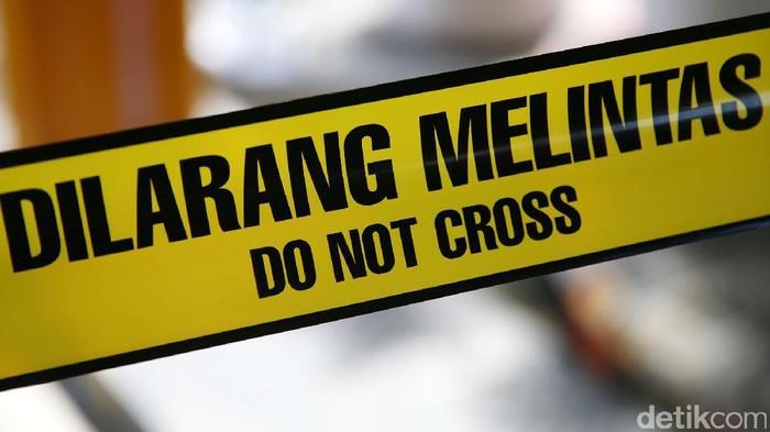 Garis Polisi Dilarang Melintas