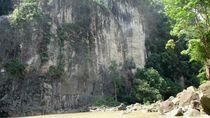 Menengok Keseruan Panjat Tebing di Sampuran Harimau