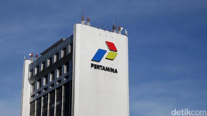 Logo Pertamina di Kantor Pusat Pertamina, Jakarta