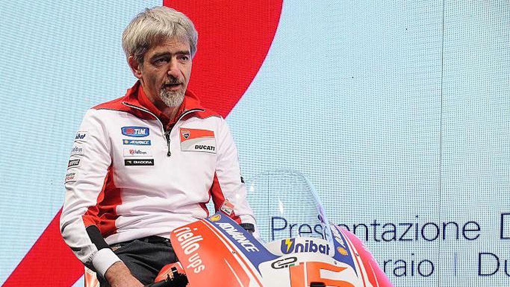 Duo Ducati Naik Podium, Bos Ducati Cium Tangki Motor