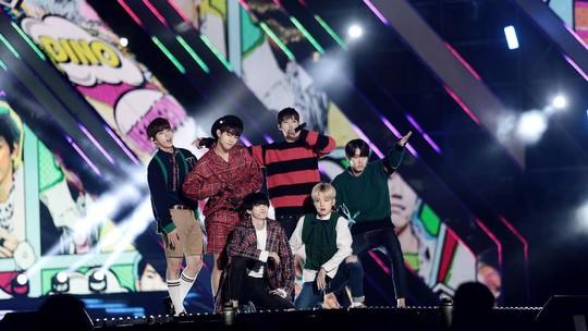 Daebak! Aksi Para Idol Kpop di Busan One Asia Festival 2016 (1)