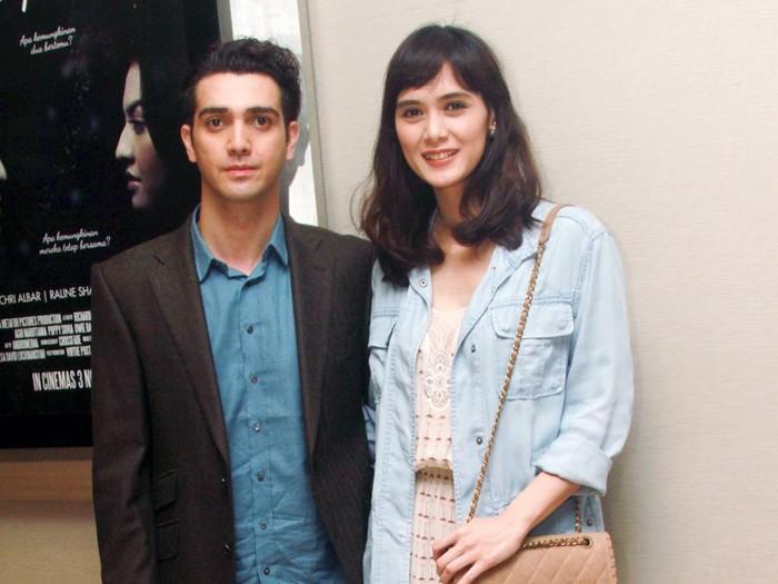 Pasangan Selebriti di premiere film Terpana