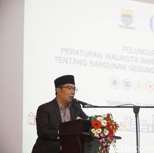 Libur Panjang, Ridwan Kamil Ajak Wisatawan Jalan Kaki di Bandung