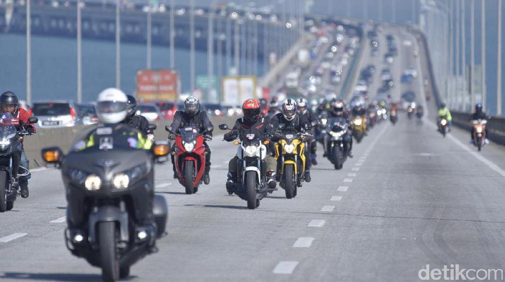 Sepeda Motor Bikin Jalanan Lebih Lancar?