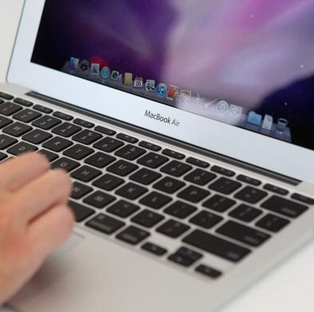 Keyboard MacBook Pro Baru Punya Anti Debu