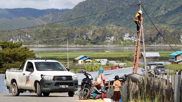 Mengintip Suasana Pedalaman Papua Setelah Listrik Menyala
