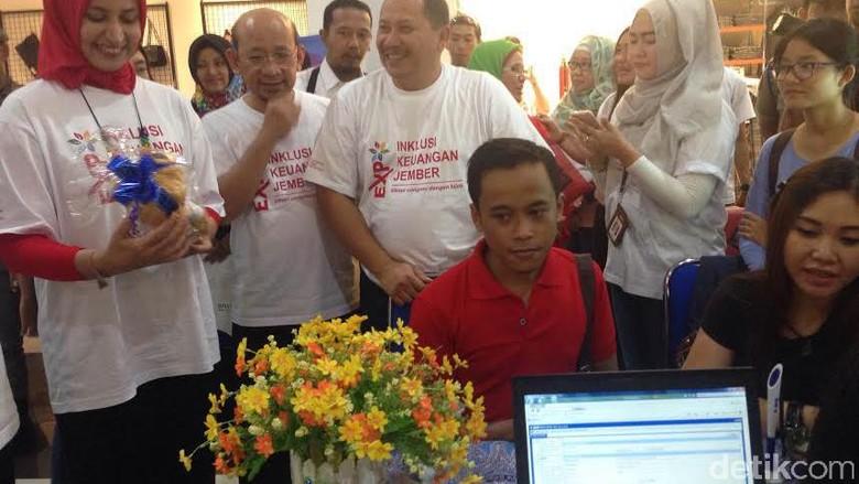 OJK Jatim Beri Batas Pembentukan TPAKD Tiap Daerah Akhir Desember
