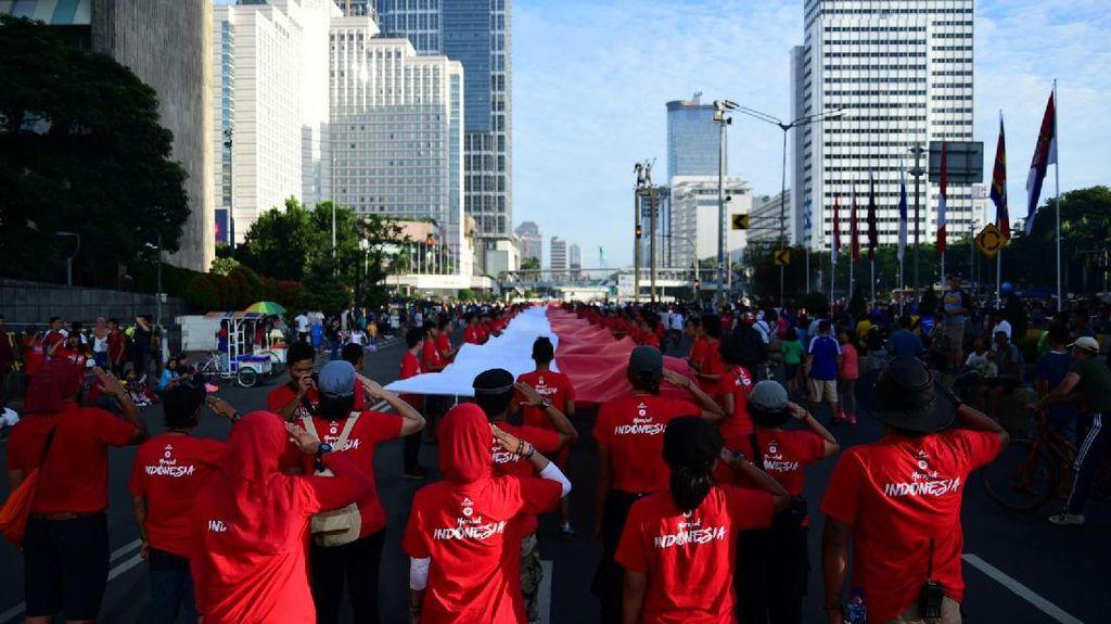 Aksa 7 Kibarkan Bendera Merah Putih 71 Meter di CFD Bundaran HI