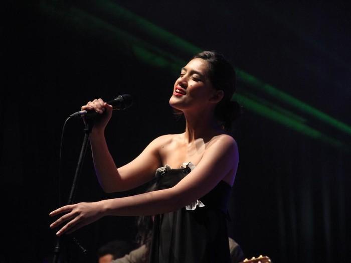 Monita Tahalea di Synchronize Festival 2016