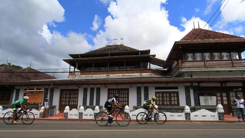 Tour De Linggarjati 2016/Foto: ANTARA FOTO/Dedhez Anggara