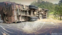 Truk Kecelakaan di Tol Tangerang, Lalin ke Jakarta Macet 10 Km