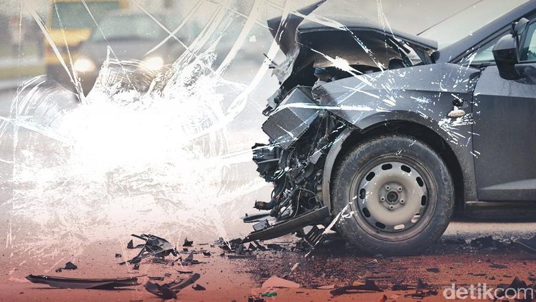 Taksi Alami Kecelakaan di Tol Grogol, Lalin Macet