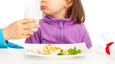 Siasati Anak Picky Eater dengan Susu, Yes or No?