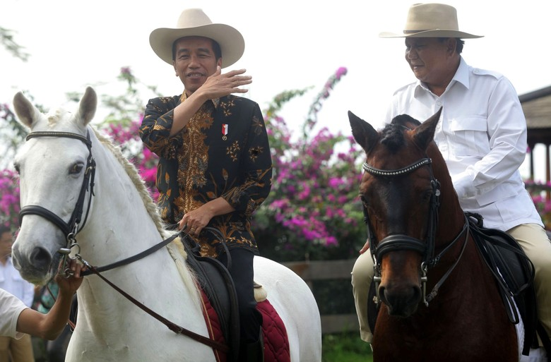 Denny JA: Pilpres 2019 Head to Head Jokowi Lawan Kubu Prabowo